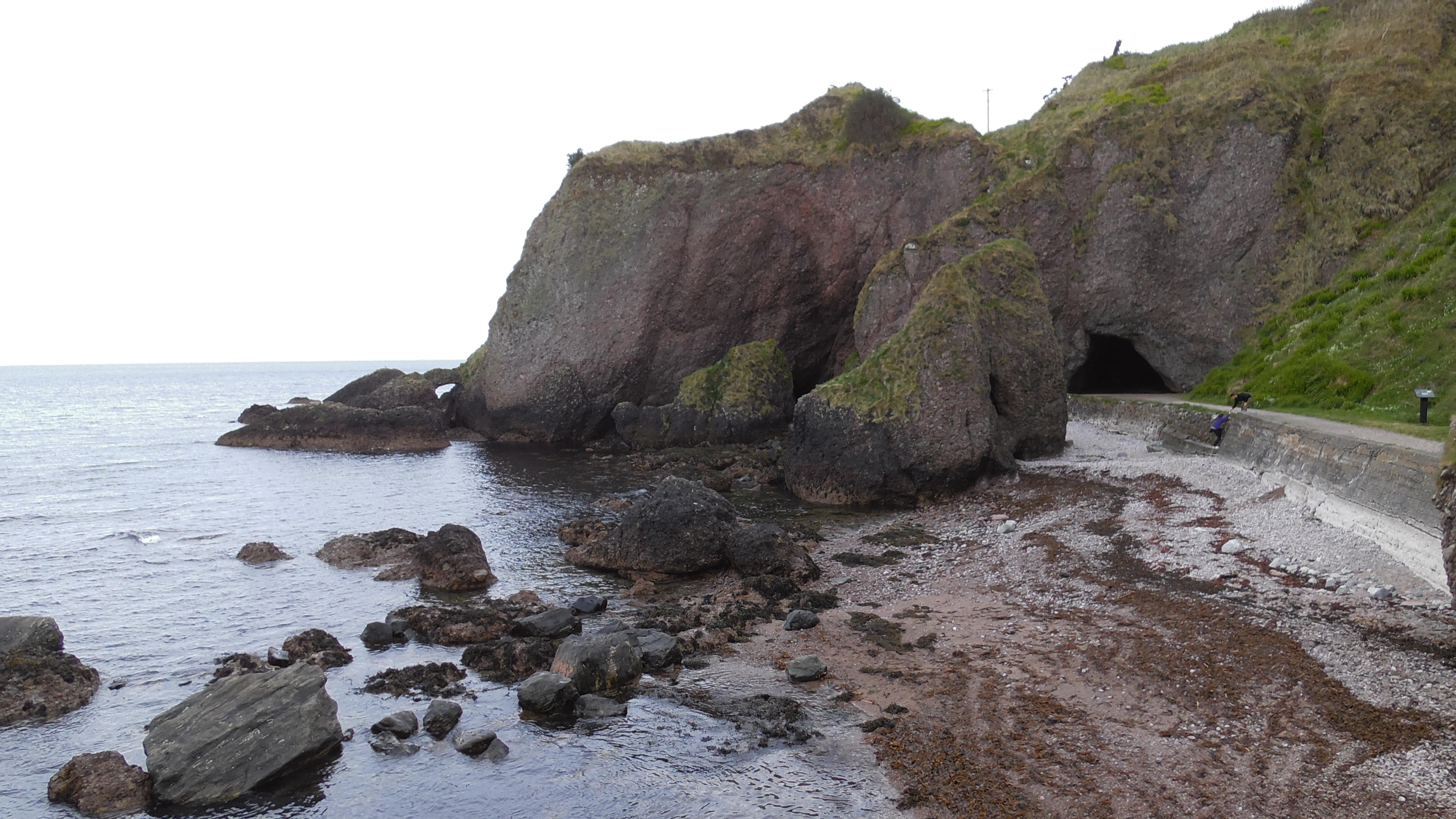Cushendun Caves als Drehort für Storm's End Caves