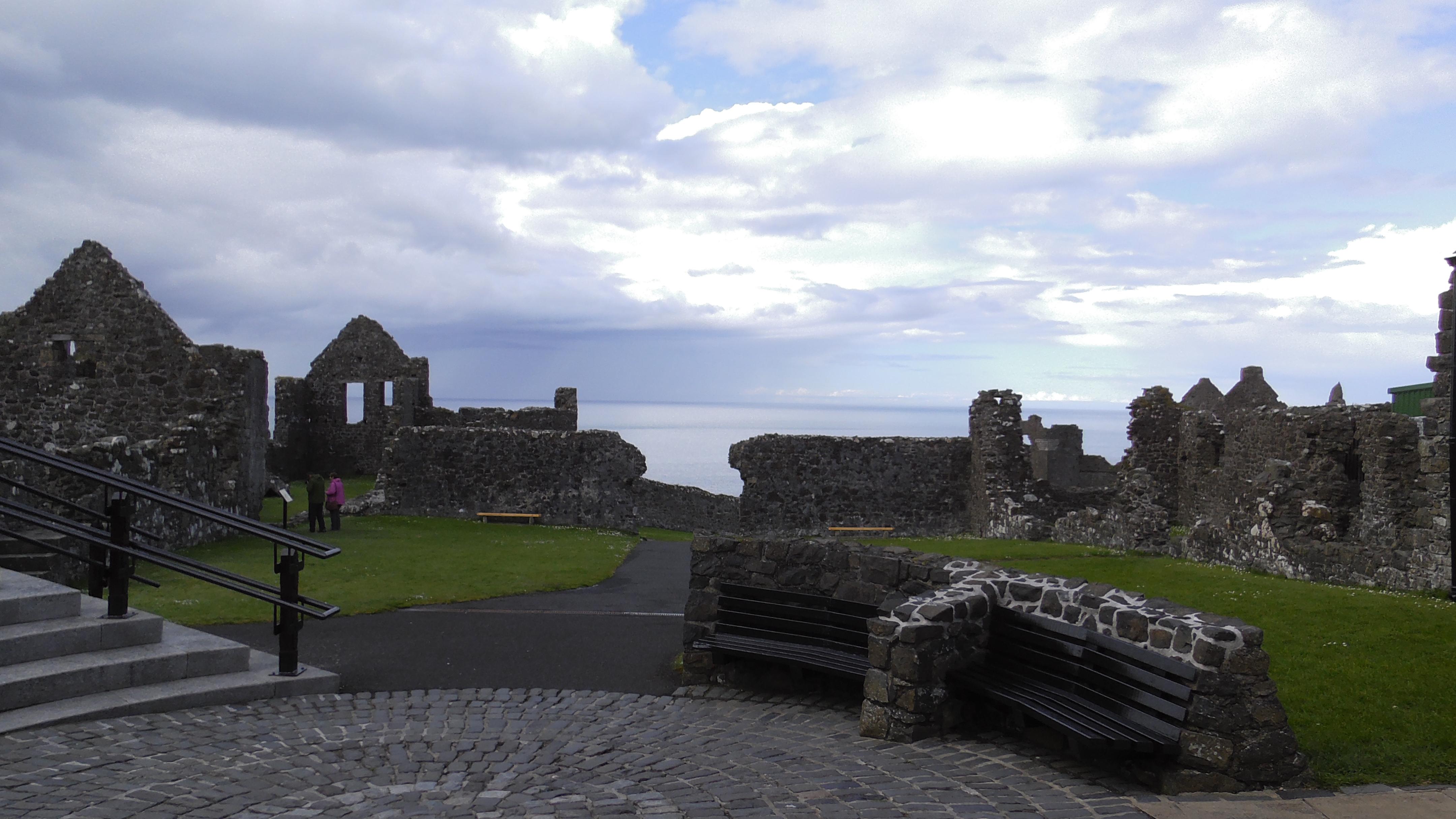 Dunluce Castle innen