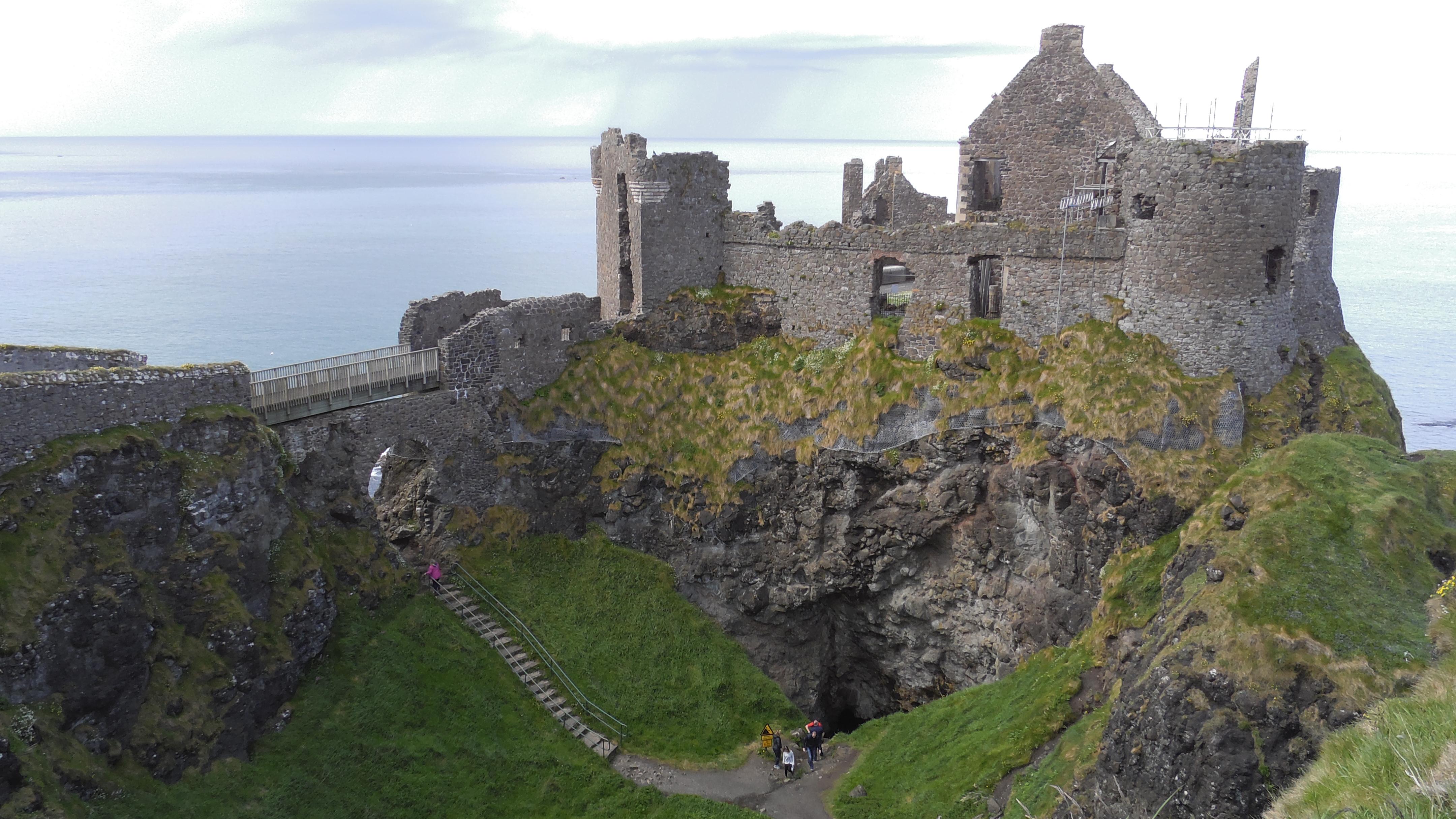 Dunluce Castle als Burg Peik